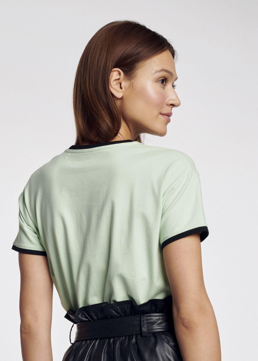 T-shirt damski TSHDT-0065-50(W21)