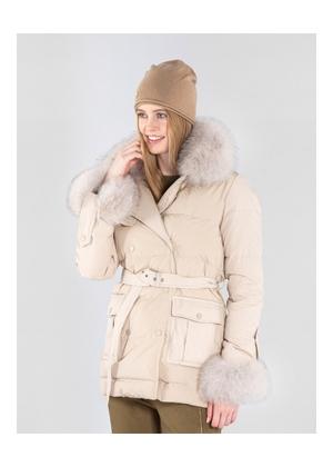 Beżowa zimowa kurtka damska z kapturem KURDT-0273-81(Z20)