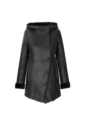 Czarny kożuch damski na zatrzaski KOZDS-0033-5399(Z20)