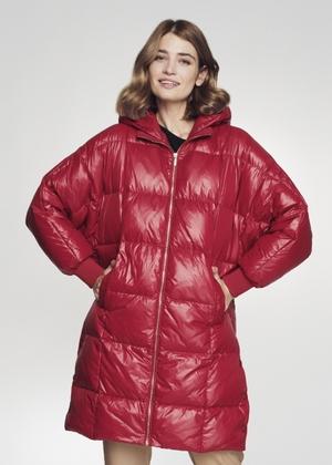 Czerwona kurtka zimowa damska oversize KURDT-0296-42(Z21)