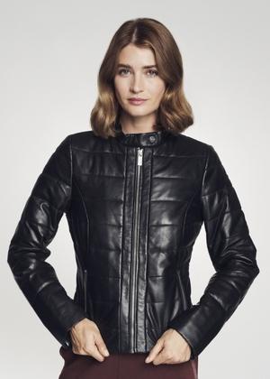 Skórzana kurtka damska w czarnym kolorze KURDS-0311-5339(Z21)