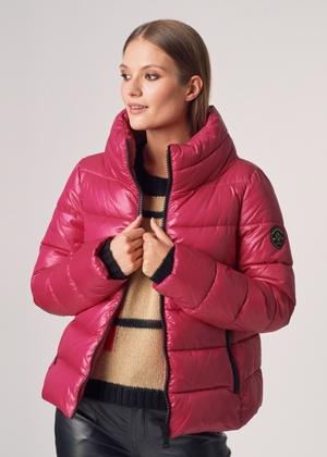 Różowa puchowa kurtka damska ze stójką KURDT-0263-43(Z21)